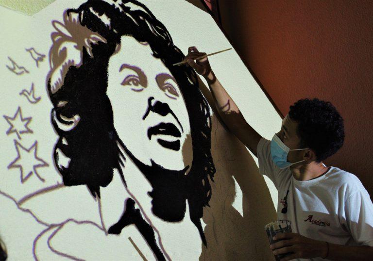 Hommage à la militante Berta Cáceres au Honduras